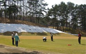 Snow on Japanese golf course